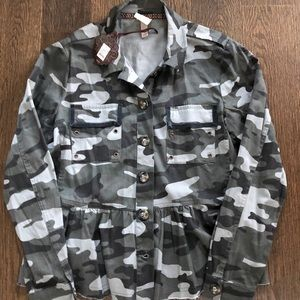 NWT Knox Rose Camo Jacket